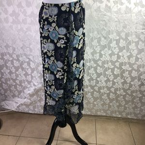 Requirement Skirt. Size 8.